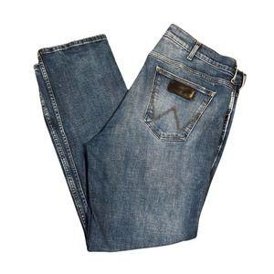 Wrangler Jeans 38 x 32 Medium Blue Wash Straight